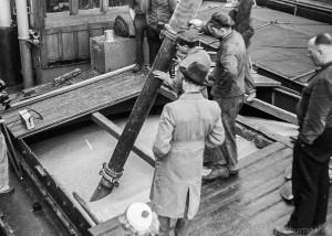 """A040.41A - Dreharbeiten zum Film """"Brücke zur Welt"""" (1950)"""